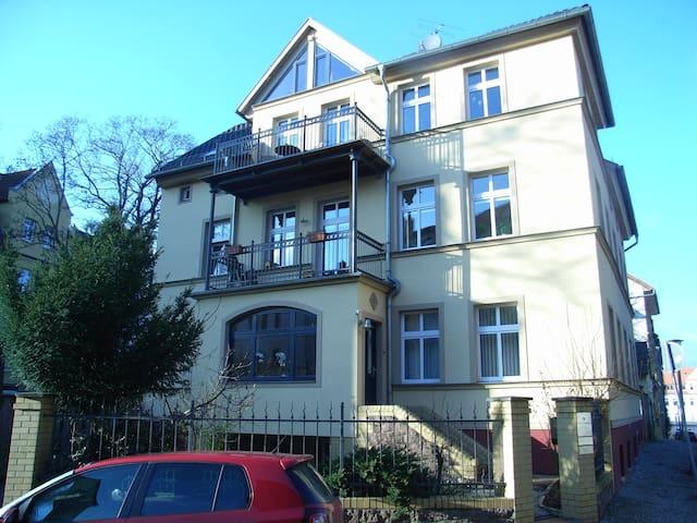 2 Raum Gästewohnung im histor. Giebichenstein - Halle (Saale) - Leilighet