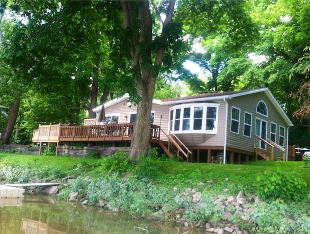 Waterfront 3 Bedroom Cottage With Kayaks & Canoe! - Waterville - Casa