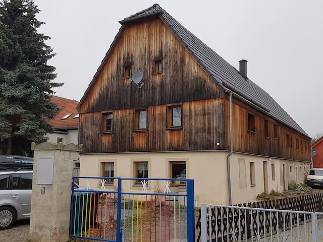 Schönes gemütliches Bauernhaus - Riesa - Casa