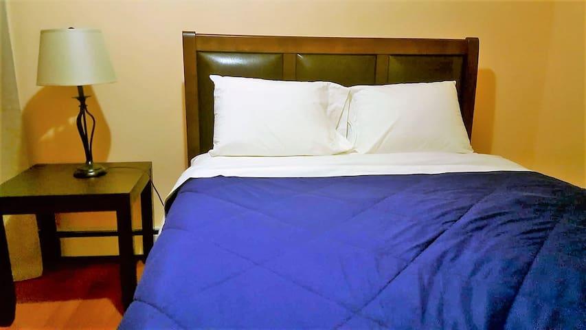 (A bedroom)Close to JFK & La Guardia Airports - Квинс