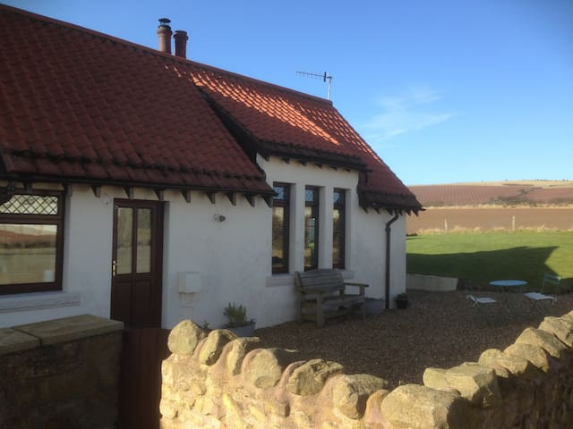 Haven Cottage (by the sea) - Coldingham - Дом