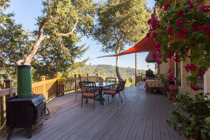Private and Peaceful with views - Scotts Valley - Rumah