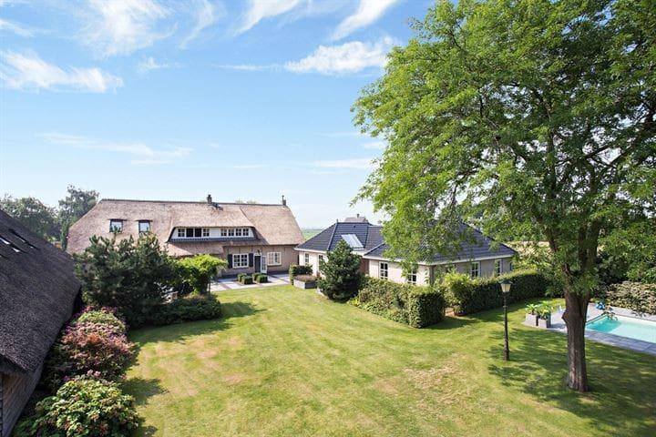 Groen, luxe, ontbijt, whirlpool, sauna bij Breda - Den Hout - Misafir suiti