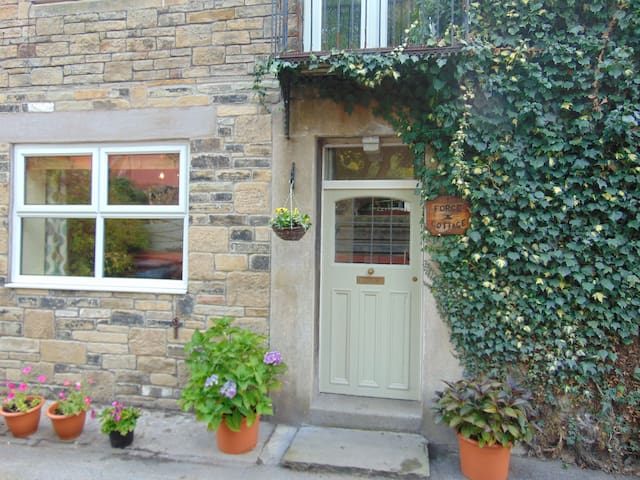 Forge Cottage Chinley Peak District - Chinley - Huis