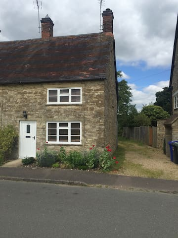 Cottage in Evenley, Brackley - Evenley - Hus