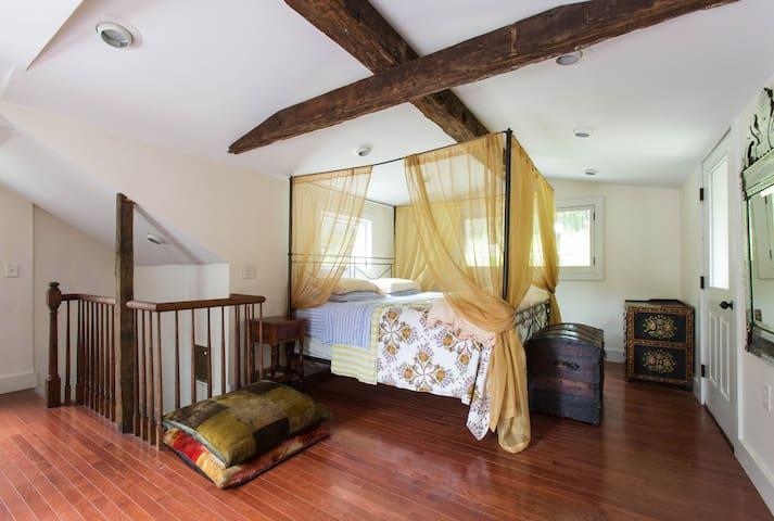 1822 farmhouse-SaunaJacuzziSwimhole - 伍德斯托克 - 獨棟
