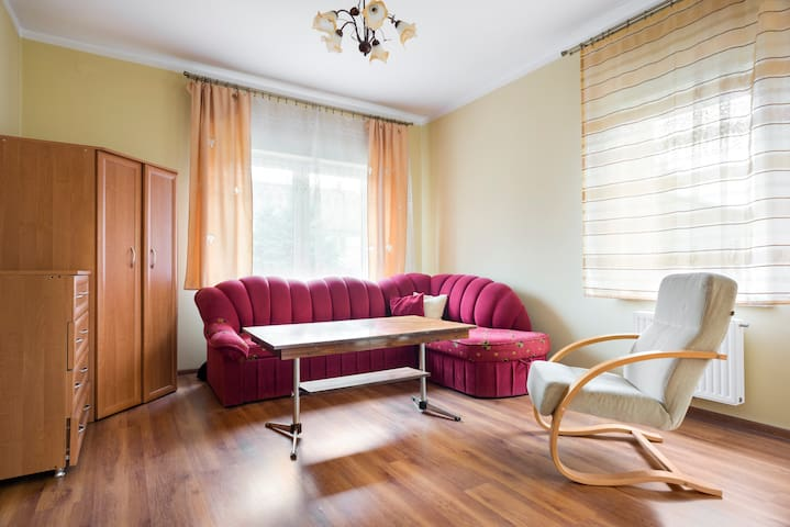 Cosy room in Cracow, Near airport - Cracóvia