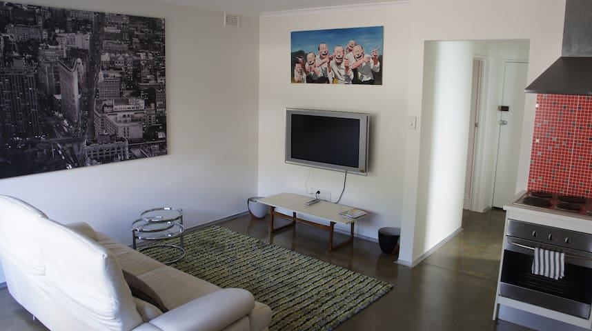 Close to City Unit Free Fast WiFi! - St Peters - Daire