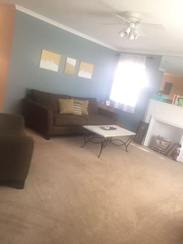 2 Bedroom Perfect Location - Columbus - Appartement