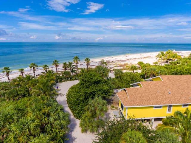 Beachfront home on stunning island - Captiva - Hus