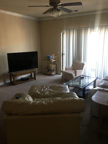 Apartment in Grandview - Make yourself at home! - コロンバス - アパート