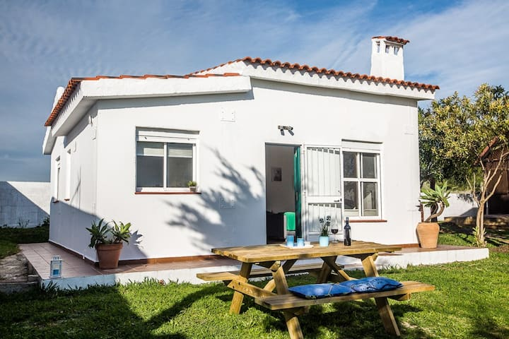 Casa en Bolonia con jardín - Cádiz - Hus