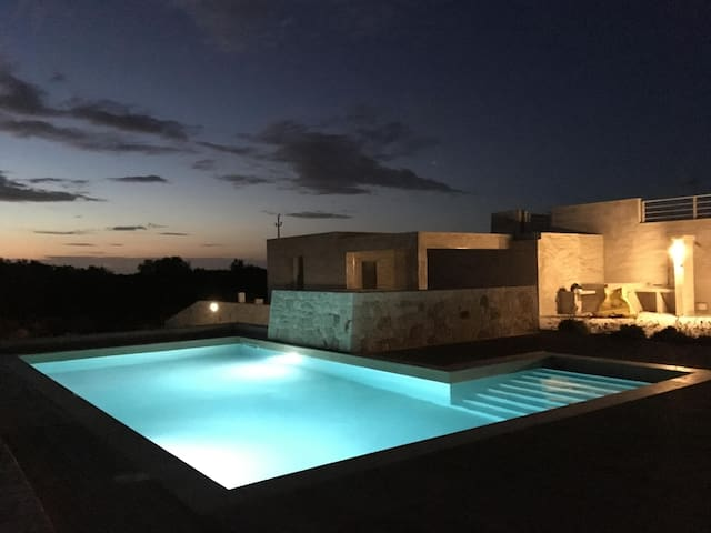 New Modern Villa with Pool - Ugento - 一軒家
