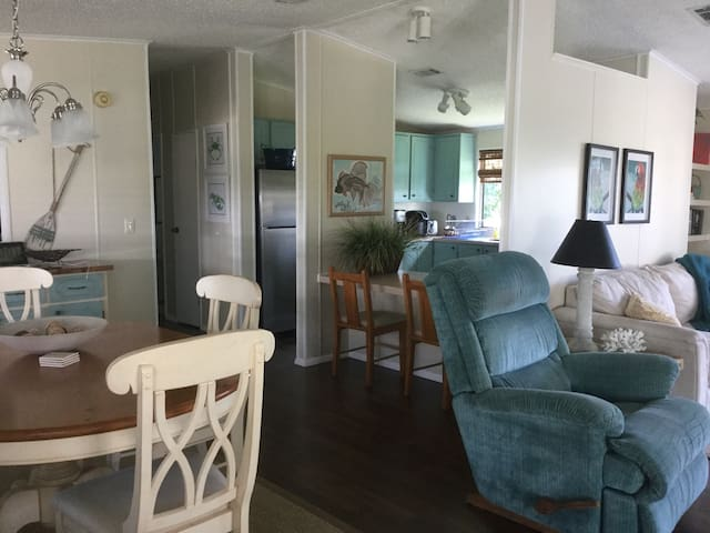 Barefoot Bay 2bed Beach House - Micco - Hus