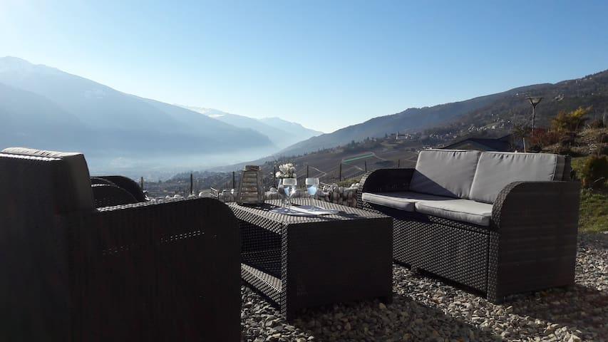 Au calme, avec vue imprenable sur les Alpes... - Miège - Vila