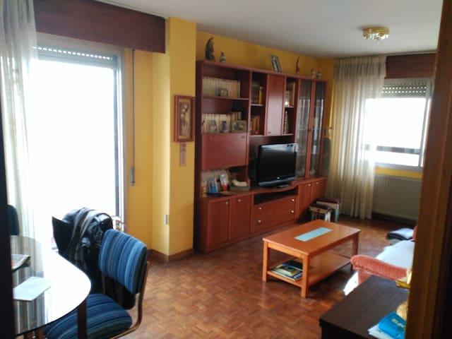 Apartamento muy luminoso. Excelente aparcamiento - Burgos - Appartement
