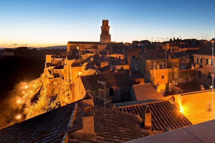 Attico panoramico nell'antico borgo - Pitigliano - Huoneisto