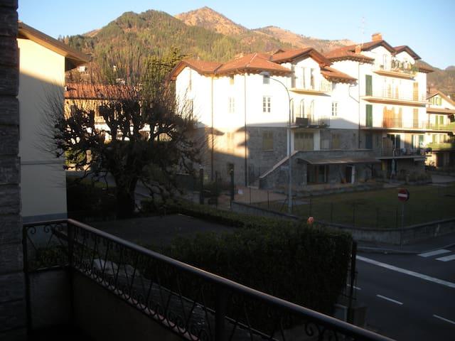 Clusone  appartamento vicino centro - Clusone - Departamento