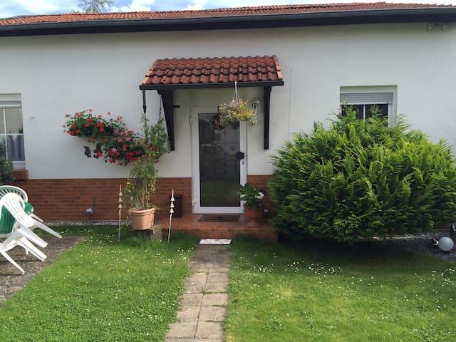 Schönes Privatzimmer in Bingen/Rhein (Zimmer2) - Bingen am Rhein - Maison