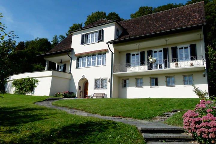 Charmantes Zimmer (Nr. 1)  in Villa - Neuhausen am Rheinfall - Casa