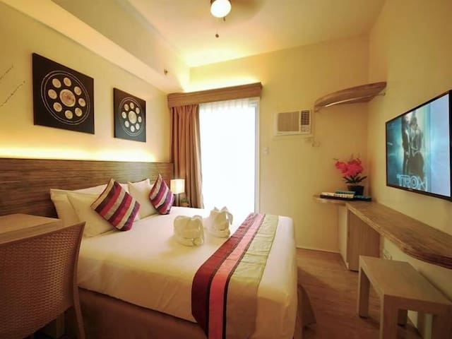 ELEGANT STANDFORD SUITES @ SOUTH FORBES CITY - Silang - Wohnung