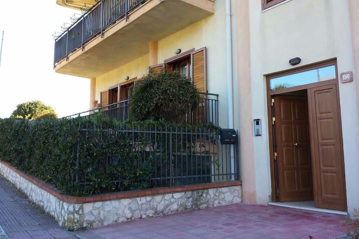 Mansarda madonita al centro della Sicilia - Alimena - Lägenhet