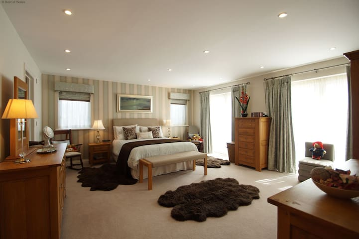 Luxury North Wales with Swimming Pool - Aberdaron - Dům
