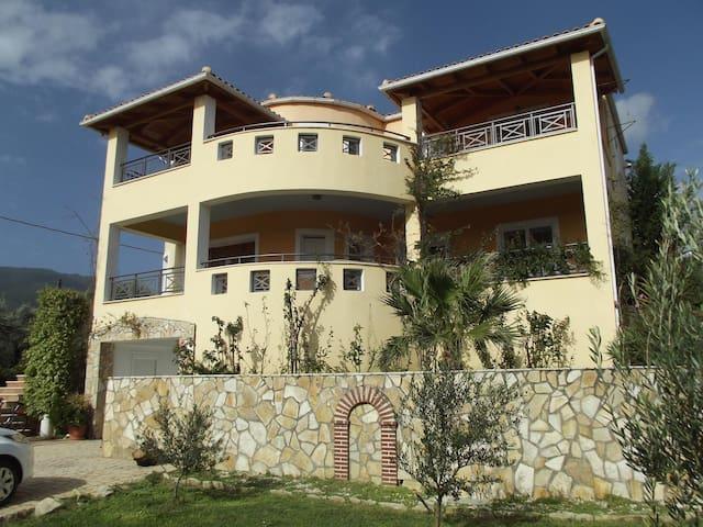 Christina's house(sea view) - Katastari - Villa