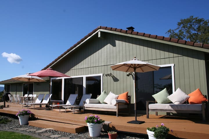 5 star Contemporary with Views - Geyserville