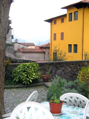 "In the heart of ""Barga Vecchia"" - Barga - Leilighet"