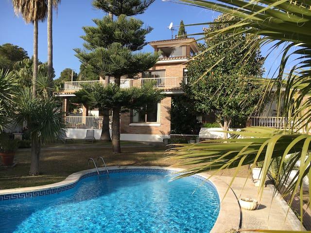 Luxurios Private Villa with Pool on the Coast - Roda de Berà