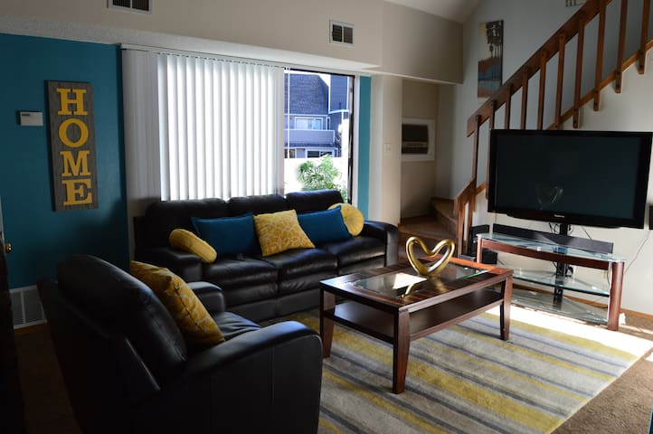 Lovely 1 bedroom condo with a loft - Littleton