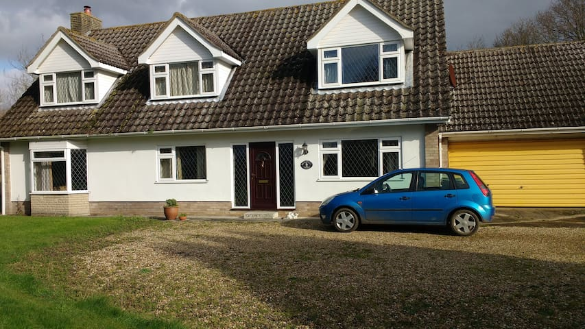 Quiet rural location (but only 2 miles to Diss) - Roydon - Hus