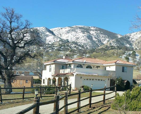 Room in a peaceful mountain setting - Tehachapi - Casa