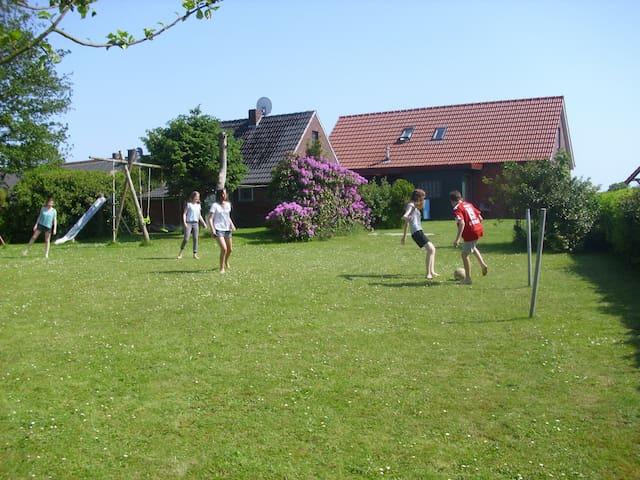 Friesenhaus an der Nordseeküste - Holtgast - Hus