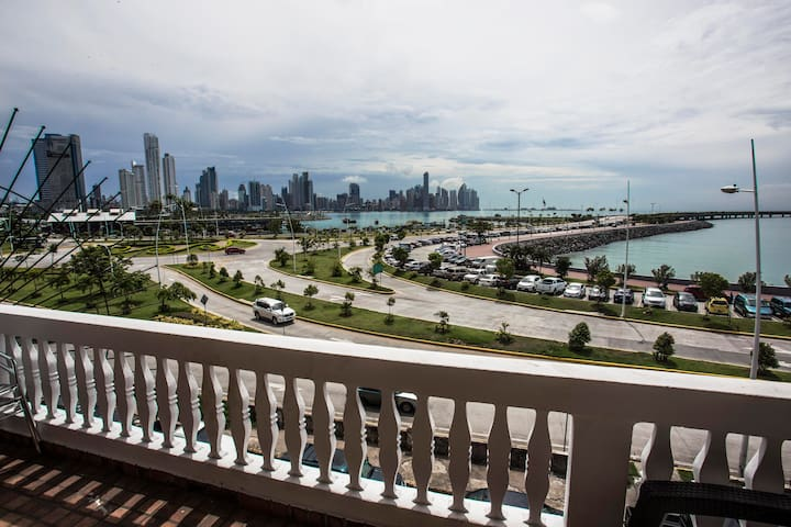 Private suite with oceanview & rooftop Casco Viejo - Panamá - Apartemen