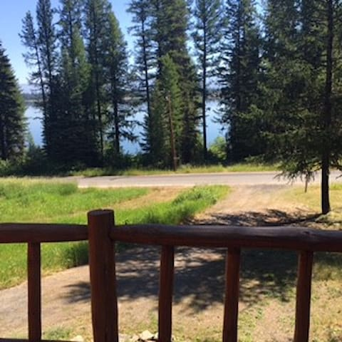 Cozy cabin by the lake and Tamarack Resort - Donnelly - Cabaña