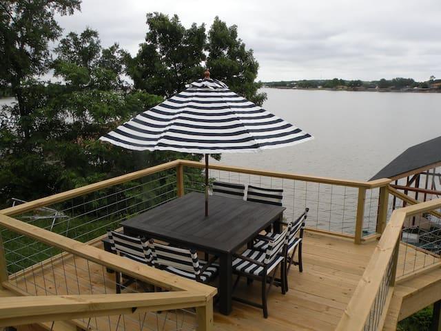 Private, lake-front, guest suite, on Lake Granbury - Granbury - Huoneisto