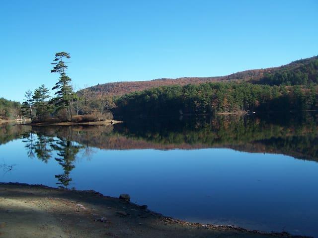 Adirondack Retreat - Lake Luzerne - Casa