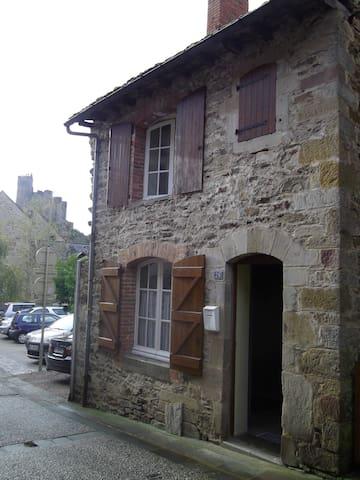 Petite maison de village - Najac - Ev