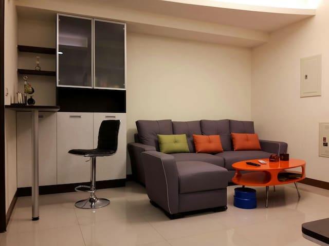 Kaohsiung holidays 近高鐵 溫馨舒適 整套雙人房 - 高雄市 - Квартира