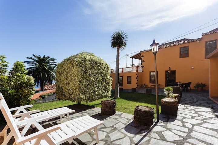 Villa Cruz 2 / Nice house with good views - Breña Alta