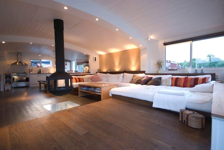 Houseboat deluxe - Solna