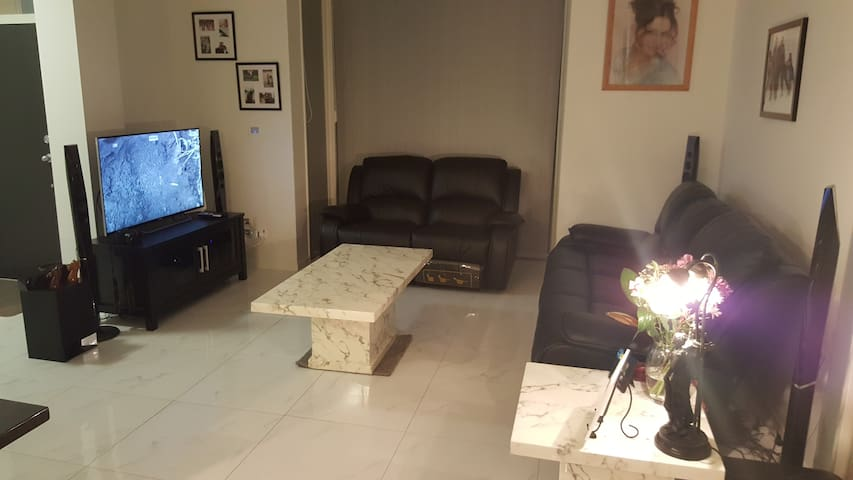 Bright and spacious 2 bed apartment - Takanini - Appartement