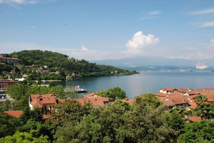 Bilocale vista lago in zona centro - Laveno-Mombello - Dom
