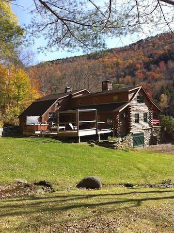 Secluded Log Cabin - Bridgewater - Ev