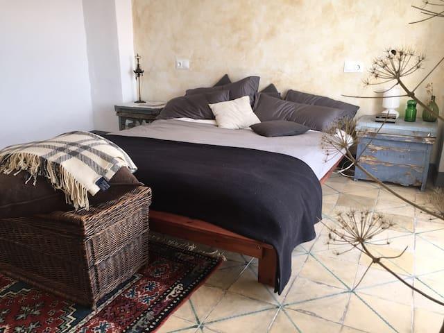 Room 'El Mediterráneo' w seaview - Polopos - Pousada