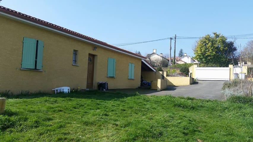Maison avec jardin au calme - Pouyastruc - Hus