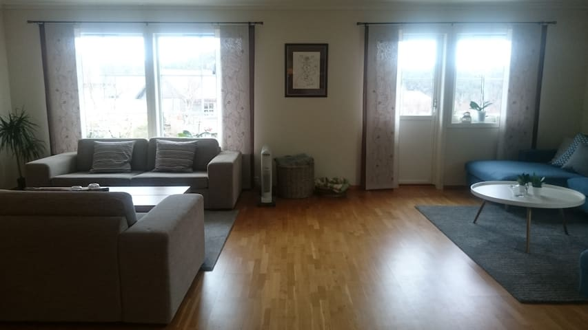 Modern and comfy family house - Askøy - Talo