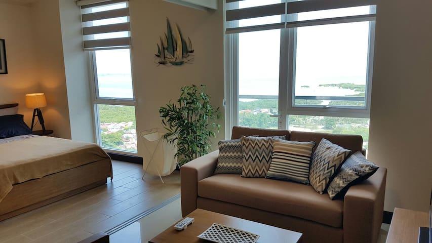 Resort Living In a Spacious Executive Studio - Lapu-Lapu City - Departamento